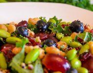 Foto de una deliciosa ensalada vegana del Restaurante Mandala