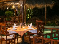 poolside-picture-jardin-del-eden-hotel-tamarindo
