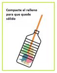 Ilustración de cómo compactar el relleno de un un ecobloque con un palito